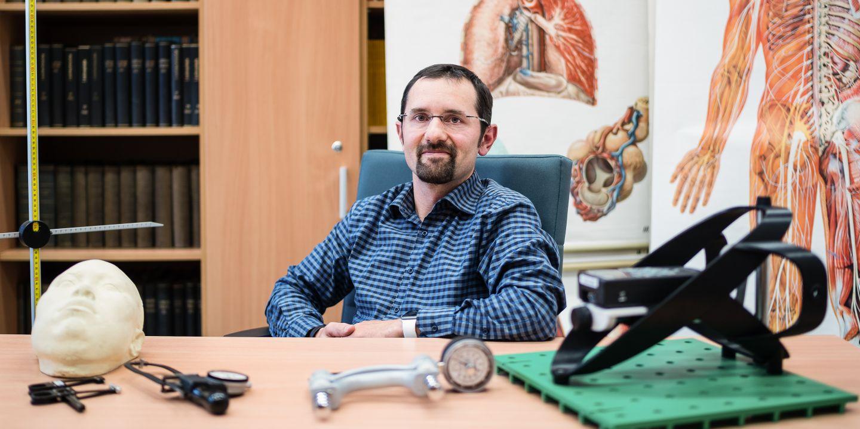 Se studenty Martin Čuta nepracuje jen ve výuce, ale snaží se je zatáhnout i do výzkumu. Hodně se zaměřuje na hodnocení stavby těla i souvislostí s výkonem.