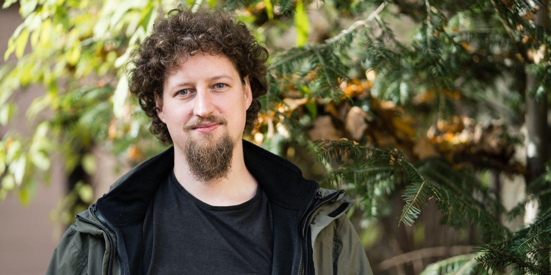 Lingvista Marcin Wągiel získal prestižní cenu za dizertační práci.