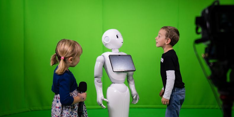 Robot Karel provede MUNI děti i dospělé.