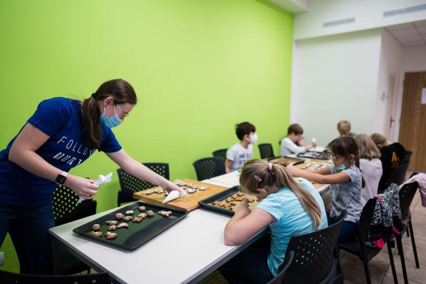 Na spádových školách zajišťují studenti Pedagogické fakulty MU také volnočasové aktivity dětí.