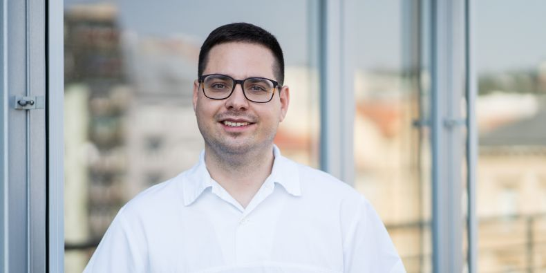 Neurolog Pavel Řehulka vede Centrum pro diagnostiku a léčbu bolestí hlavy.