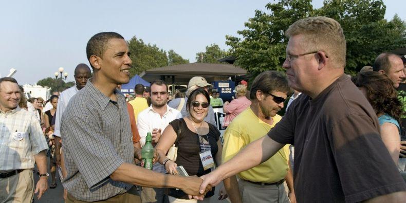 Barack Obama před prezidenstkými volbami. Kontakt kampaň je v USA klíčová.
