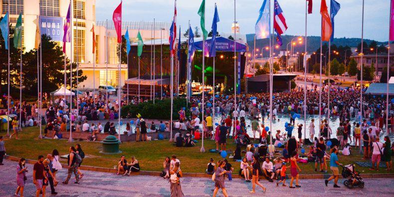 Červnový Festival MUNI 100 byl vrcholem oslav 100. výročí založení Masarykovy univerzity.