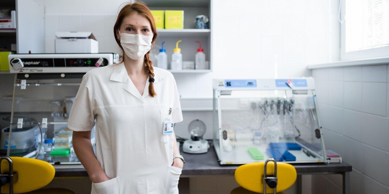 Barbara Vonková si pracovní povinnost plní v centrum molekulární biologie a onkologie.