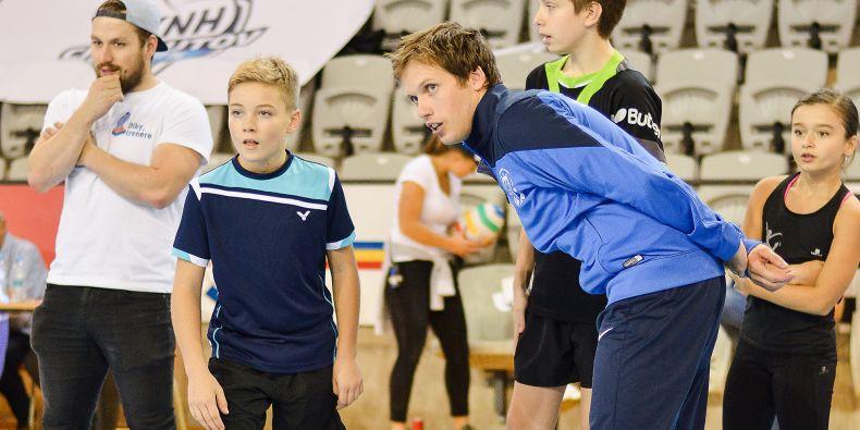 Když dítě v zápase nebo na tréninku udělá chybu, tak ji má poznat, přiznat se, poučit se z ní a pak na ni zapomenout. Křik v podání trenéra nic nevyřeší, jen uškodí, říká Matěj Koňařík.