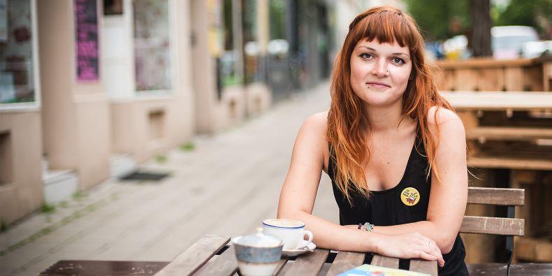 Studentka českého jazyka se specializací na počítačovou lingvistiku Neli Hejkalová.