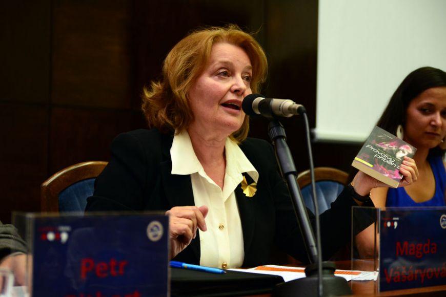 Orozdělení ČSFR přišli na Právnickou fakultu MU debatovat Milan Kňažko, Petr Pithart, Magda Vašáryová aMilan Uhde. Foto: Martin Kopáček.
