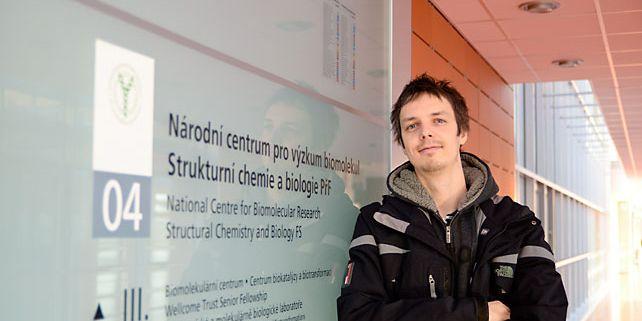Prvním z vědců, kteří díky projektu SYLICA do kampusu přijeli pracovat, je výpočetní chemik a biofyzik Robert Vácha. Foto: Martin Kopáček.