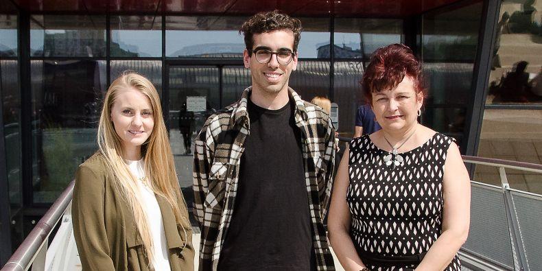Tessa Bell, Diogo Teixeira and their teacher Ivana Rešková.