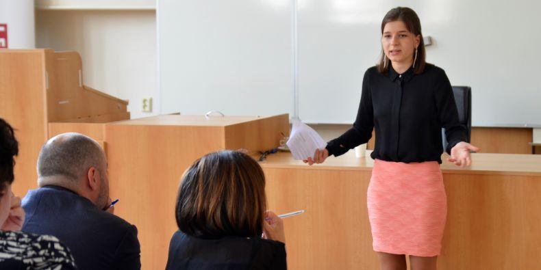 Speciální cenu za nejlepší řečnici turnaje získala studentka Eva Moravcová z Právnické fakulty MU.