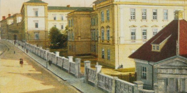 Nemocniční komplex vyprojektoval vnovorenesančním stylu dánský architekt žijící ve Vídni Theophil Hansen. Foto: Archiv FNUSA.