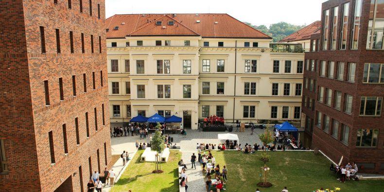 Na Filozofické fakultě MU se koná Letní škola slovanských studií.