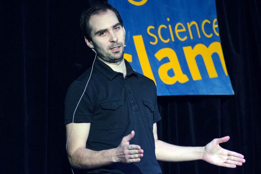 Věříte ve vědu? Tomáš Hampejs vám vaši víru pomůže objasnit.