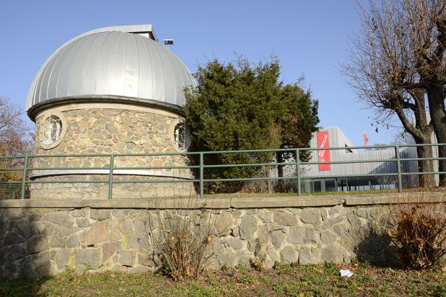 romě toho, že Masarykova univerzita shvězdárnou dlouhodobě spolupracuje, má zde také svoji vlastní observatoř.