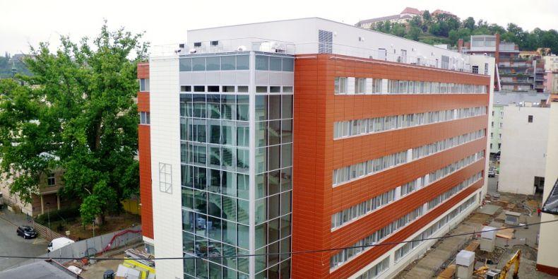 Nové prostory Mezinárodního centra klinického výzkumu (ICRC) otevřela v pátek 12. října Fakultní nemocnice u sv. Anny v Brně. Foto: FNUSA.