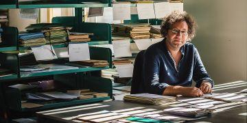 Archivnictví se Tomáš Zapletal věnuje v podstatě celý svůj profesní život, začínal v archivu ministerstva vnitra, který během jeho působení přešel pod Ústav pro studium totalitních režimů.