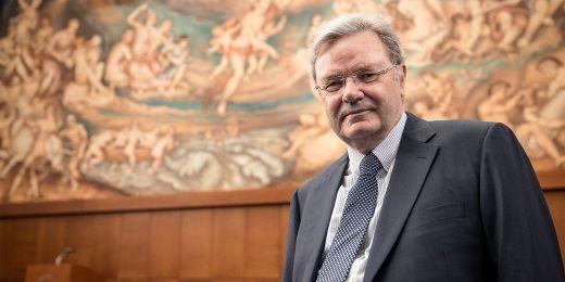 Čerstvý držitel čestného doktorátu Masarykovy univerzity, německý biochemik Wolfgang Baumeister.