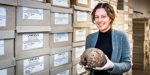 Veronika Kováčová z Masarykovy univerzity na výzkumu spolupracuje s kolegy z Laboratoře rentgenové mikro- a nanotomografie na Ceitecu VUT.