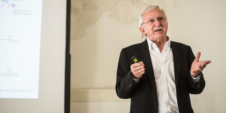 Nobelista Paul Modrich přednášel na Masarykově univerzitě.