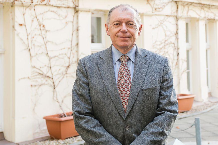 Vedoucí výzkumu Ladislav Rabušic vyzdvihl, že Češi jsou subjektivně podobně šťastní jako lidé žijící ve Švýcarsku či vNorsku.