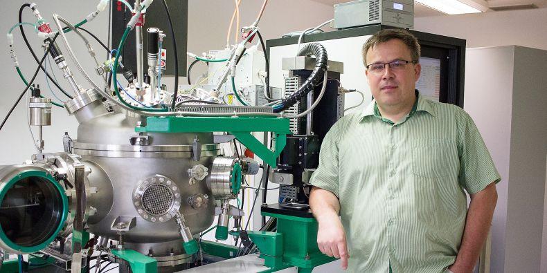 Výzkum probíhá přímo na průmyslové aparatuře, takže můžeme naše povlaky rovnou ověřit v reálných podmínkách, pochvaluje si Petr Vašina.