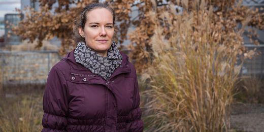 """""""Dohledali jsme 2550 evropských druhů, které našly nový domov jinde ve světě. Zjistili jsme, že většina z nich se v Evropě vyskytuje na místech, která výrazně ovlivňuje nebo přímo vytvořil člověk například zemědělskou činností,"""" říká Veronika Kalusová."""