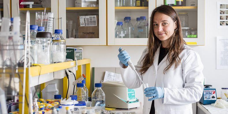 Dáša Bohačiaková (rozená Doležalová) může i díky podpoře Nadačního fondu Neuron pokračovat ve svém studiu neurálních kmenových buněk.
