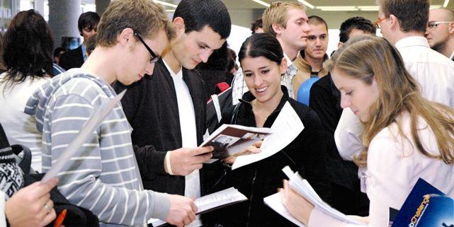 O veletrh májí tradičně velký zájem návštěvníci z řad studentů a letos se také zdvojnásobil počet vystavujících firem. Foto: David Povolný.