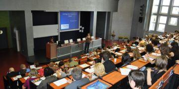 Na konferenci se sešli známí autoři učebnic a metodici jazykové výuky a učitelé z vysokých, středních i mateřských škol.