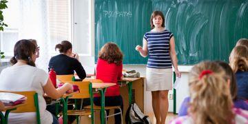 """""""Vždycky jsem chtěla učit, je to pro mě přirozené,"""" vysvětluje svoji volbu Sukupová, která pracuje na Církevní střední zdravotnické škole v Brně. Foto: Ondřej Surý."""