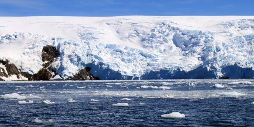 Příjezd na českou polární stanici v posledních letech komplikoval led na moři.
