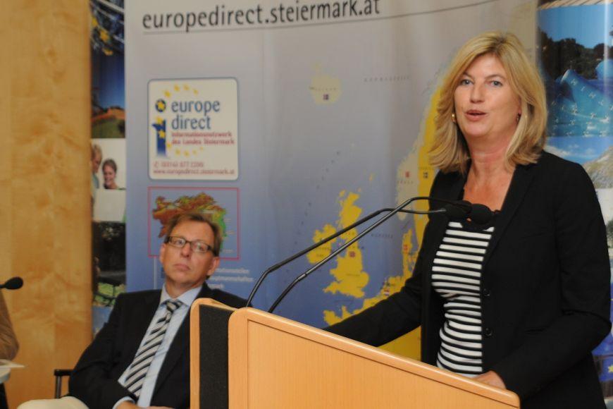 Odbornice na dějiny východní ajižní Evropy Marie-Janine Calic.