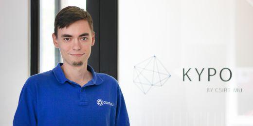 Kromě toho, že je na doktorátu na Fakultě informatiky MU, pracuje Martin Laštovička i v univerzitním bezpečnostním týmu CSRIT-MU.
