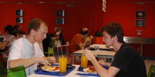 ACADEMIC restaurant a PIZZA NOSTRA nabízejí jídla během celých prázdnin. Foto: Martin Kopáček.