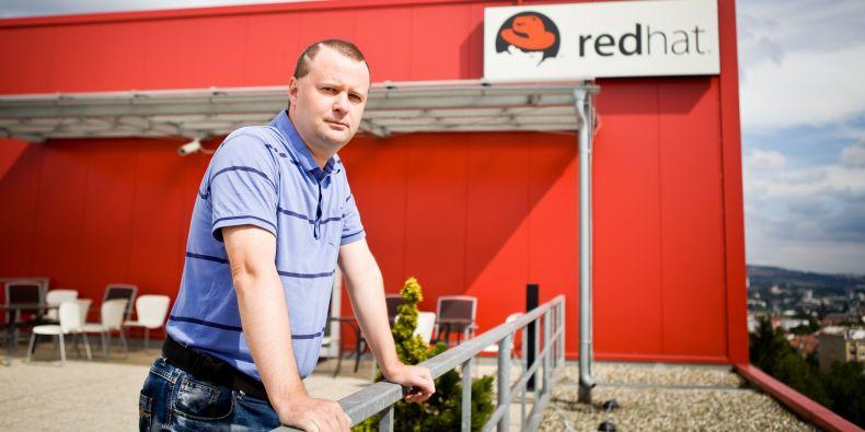 Pazdziora působí jako Senior Principal Software Engineer v brněnské pobočce společnosti Red Hat.