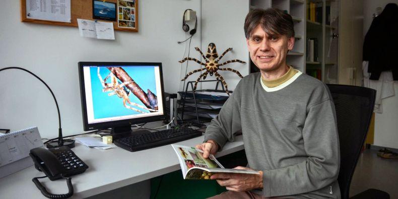 Profesor Stano Pekár.