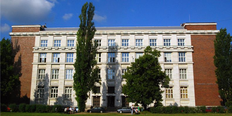 Právnická fakulta MU.
