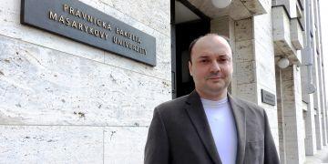 V komerční i veřejnoprávní praxi je velká poptávka po právnících a IT manažerech s pokročilými znalostmi práva informačních a komunikačních technologií, říká Radim Polčák.