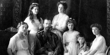 U ostatků poslední ruské carské rodiny z dynastie Romanovců dlouho nebylo jasné, že patří skutečně jim.