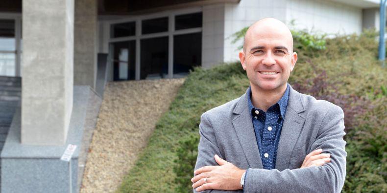 Maroš Servátka působí jako profesor ekonomie v Sydney.