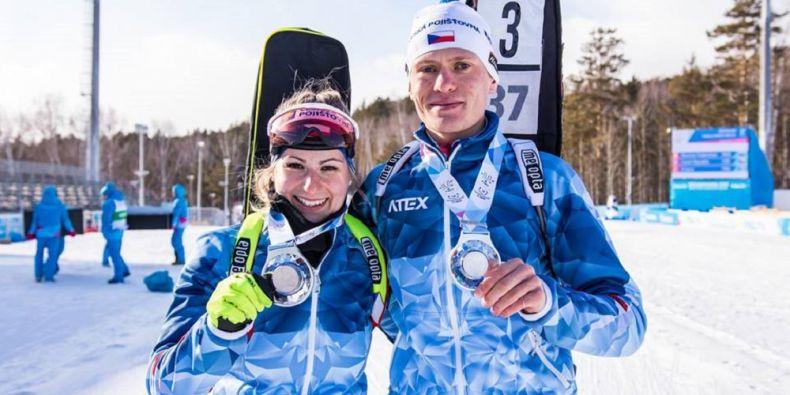 Natálie Jurčová (FSpS MU) a David Tolar (ČVUT Praha) vybojovali stříbro v single mix štafetách v biatlonu.