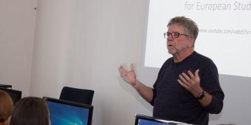 Američan Stephen Doig učí na FSS předměty Reporting Public Affairs a Data Journalism.
