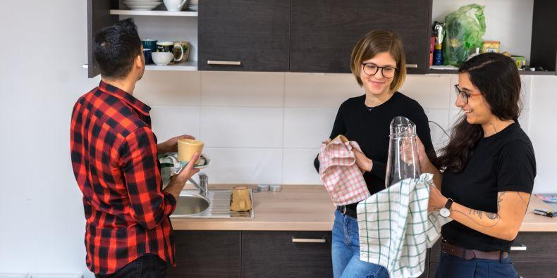 Projekt Symbios je sdílené bydlení mladých dospělých z dětských domovů a studentů Masarykovy univerzity a dalších brněnských vysokých škol.