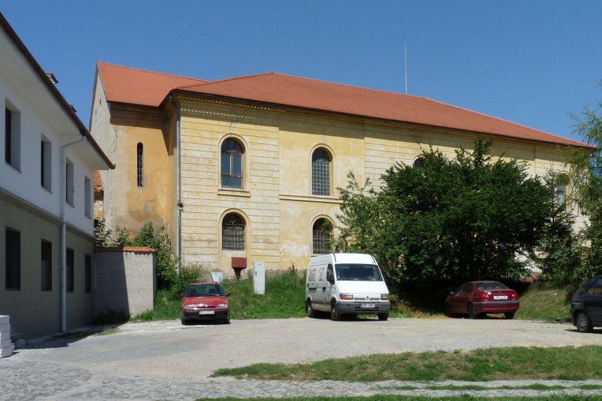 Židovskou kulturu dnes připomíná zdejší synagoga.