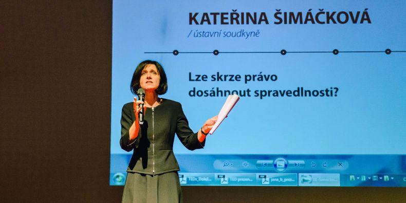 Ústavní soudkyně Kateřina Šimáčková vystoupila na TEDx Kroměříž.