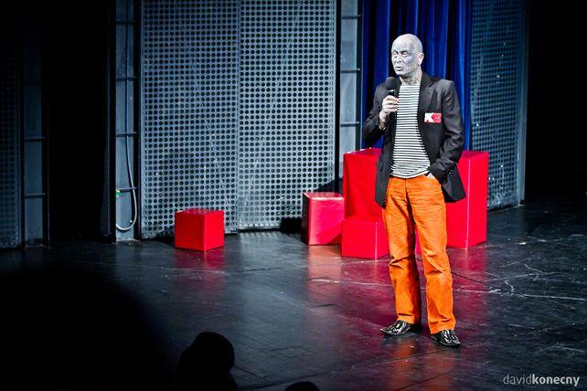Na TEDx vBrně vystoupil iVladimír Franz, známý český hudební skladatel amalíř. Foto: David Konečný.