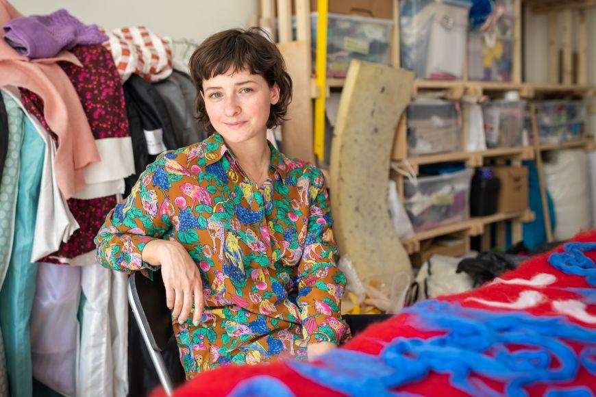Po úspěchu na Czech Grand Design soustředí Tereza Kladošová ještě víc energie do vymýšlení vlastních módních kolekcí.