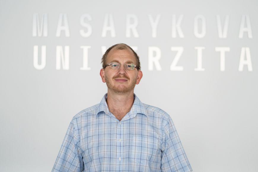 Fyzik Tomáš Tyc je držitelem Ceny rektora pro vynikající pedagogy za rok 2020.
