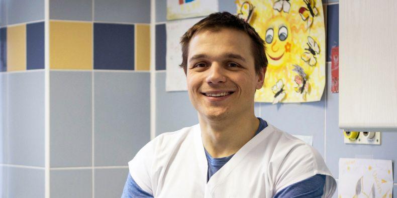 Karel Urbášek působí v Dětské nemocnici v Brně.