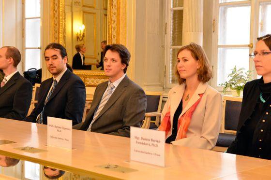 Cenu ministra získali další čtyři vědci zčeských vysokých škol.
